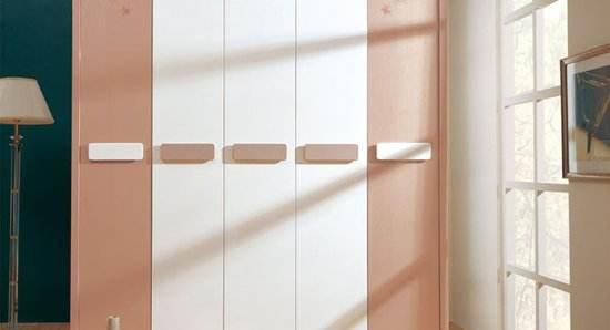 大衣柜的色彩要怎么搭配 教你巧妙搭配卧室衣柜